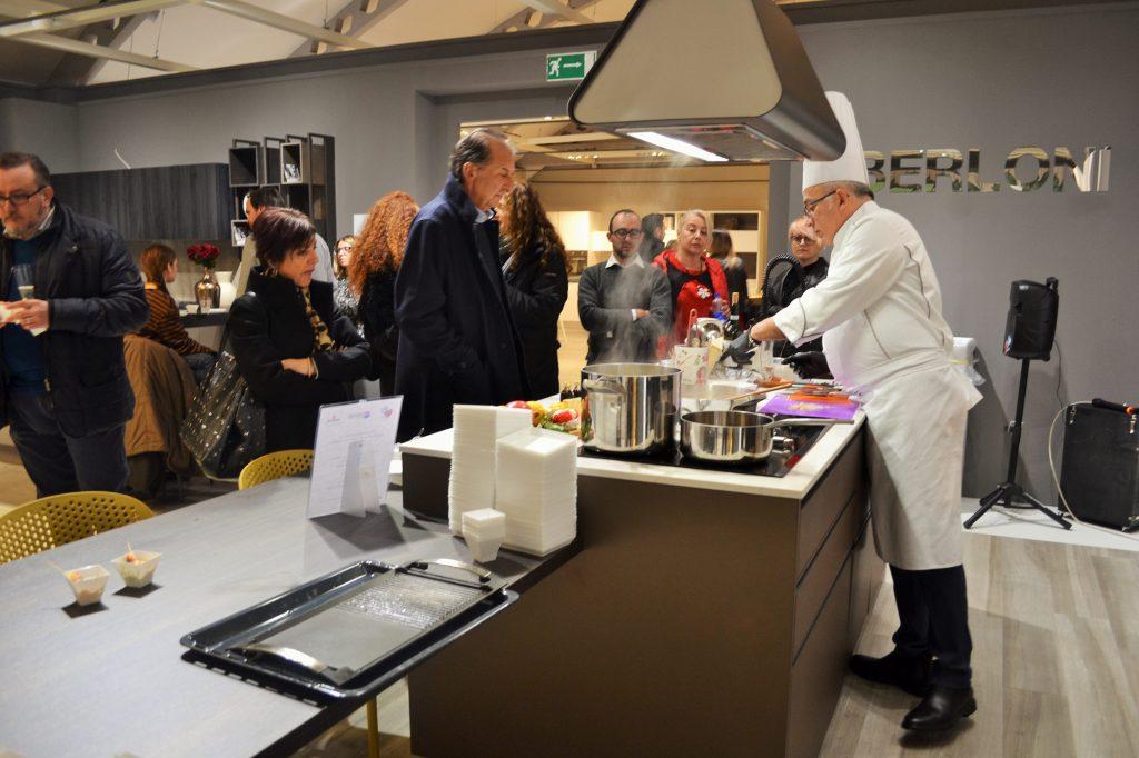 daniele paralovo show cooking al centro dell'arredamento ligure