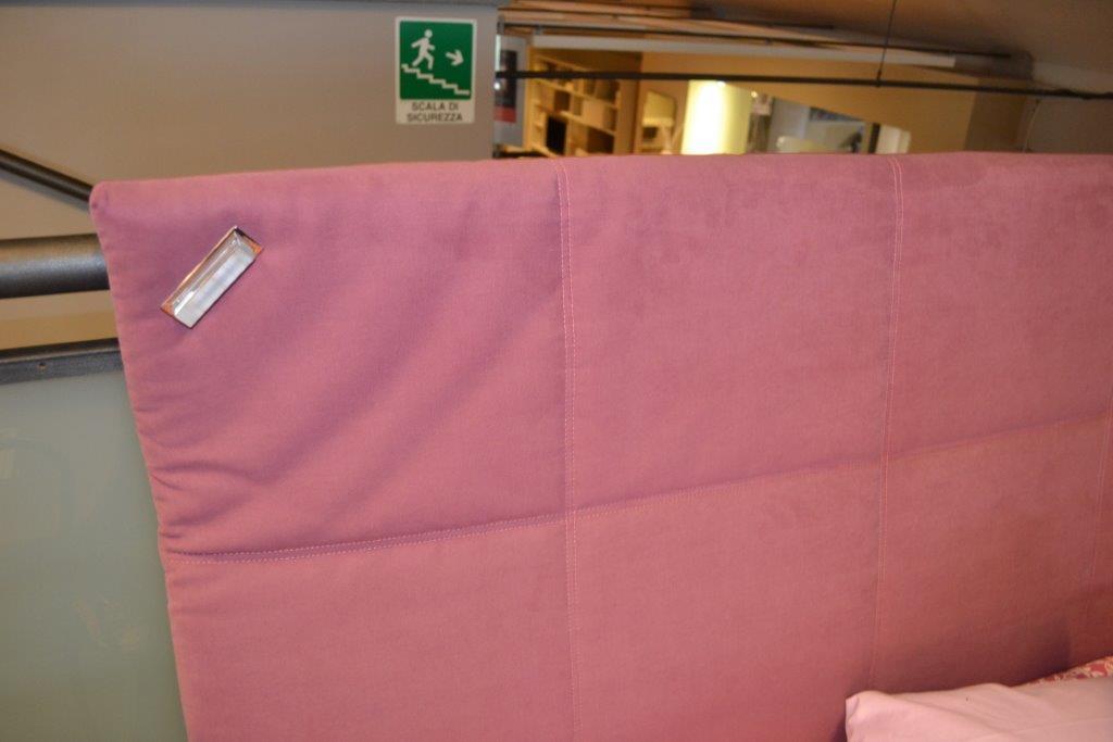 Europeo mod abbraccio centro dell 39 arredamento di savona for Sconti arredamento