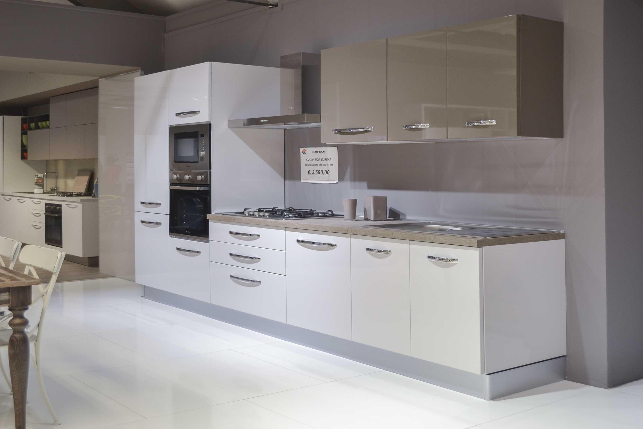 Cucina mod eureka aran cucine centro dell 39 arredamento for Sconti arredamento