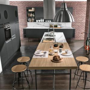 cucina moderna nera artec al centro dell'arredamento ligure