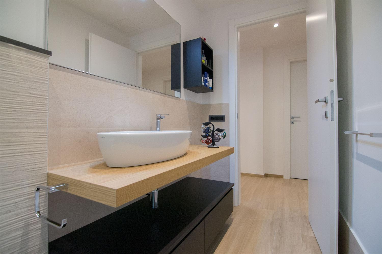 Realizzazioni centro dell 39 arredamento ligure - Arredo bagno savona ...