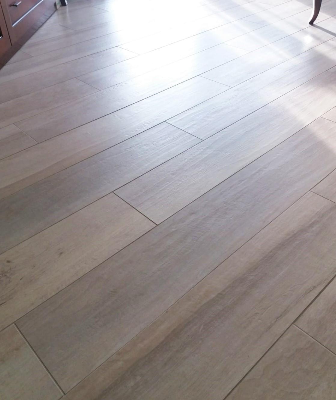 dettaglio-pavimento-marazzi-legno-centro dell'arredamento-savona