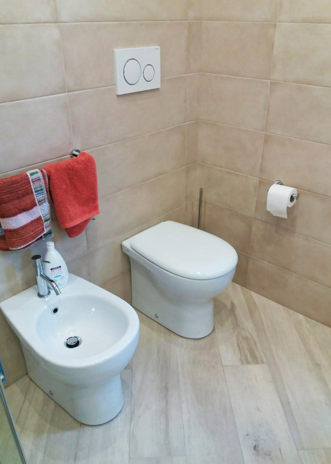 rivestimento-bagno-centro dell'arredamento-savona