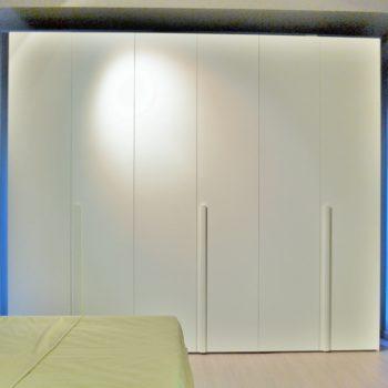 armadio battente bianco alfa by novamobili al centro dell'arredamento ligure
