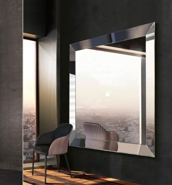 Centro dell\'Arredamento Savona-specchio quadrato-trapezio-riflessi