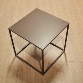 tavolino quadrato caffè by novamobili al centro dell'arredamento ligure