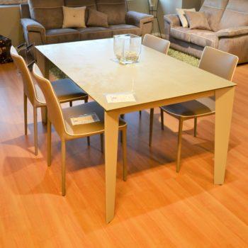 tavolo cruz by bontempi al centro dell'arredamento ligure