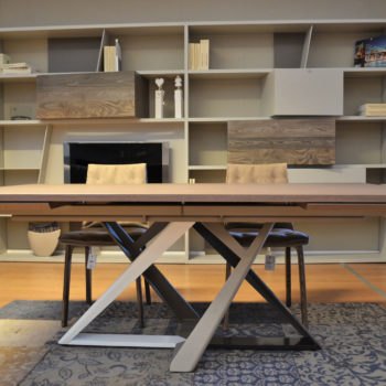 tavolo artistico by bontempi al centro dell'arredamento ligure
