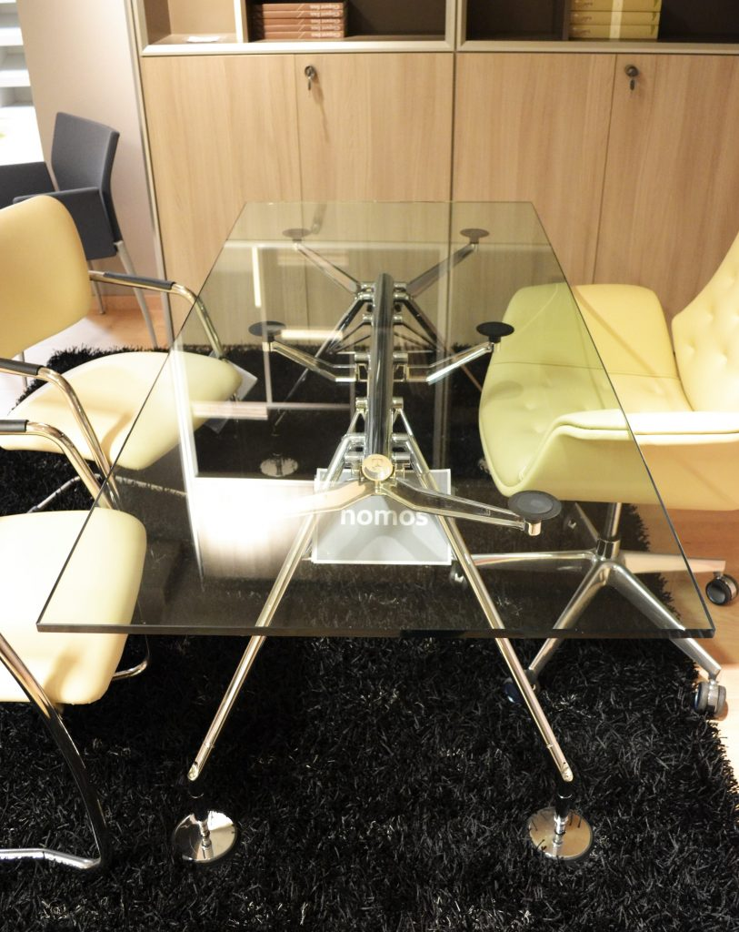 tavolo nomos tecno norman foster office inn al centro dell'arredamento ligure
