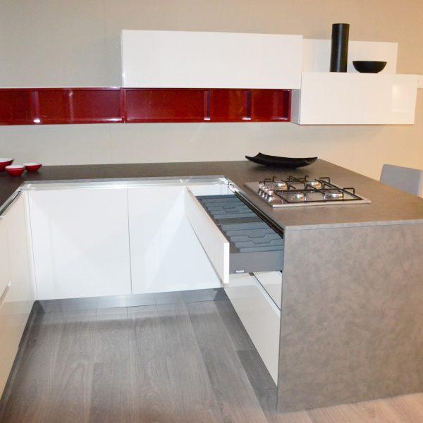 Centro dell 39 arredamento savona cucina arredo3 in offerta for Centro dell arredamento osnago