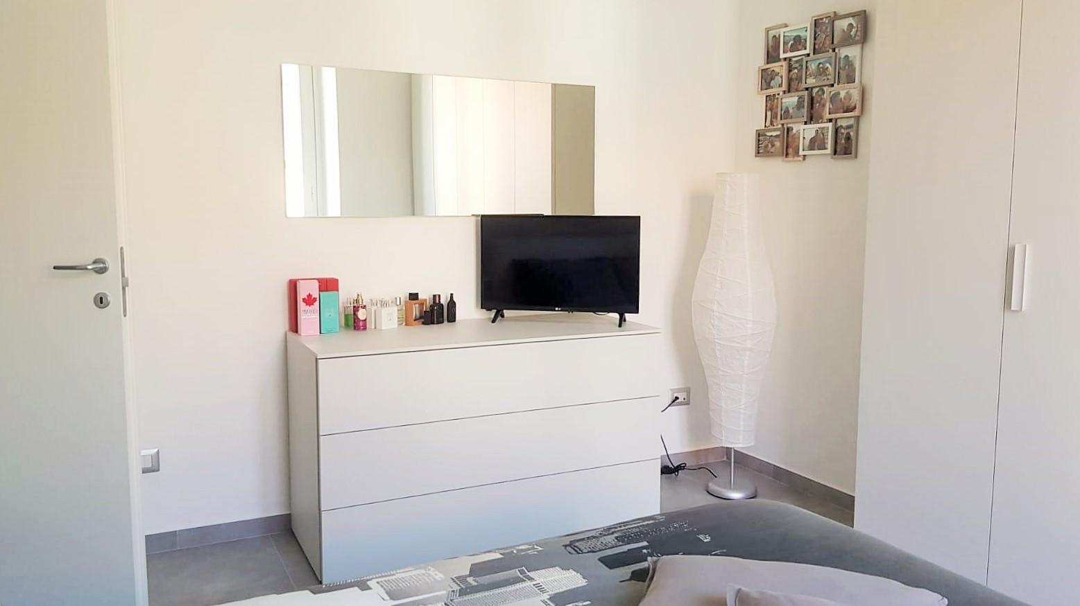 cassettiera-specchio-cinquanta3-battistella-realizzazioni-centro dell'arredamento-savona