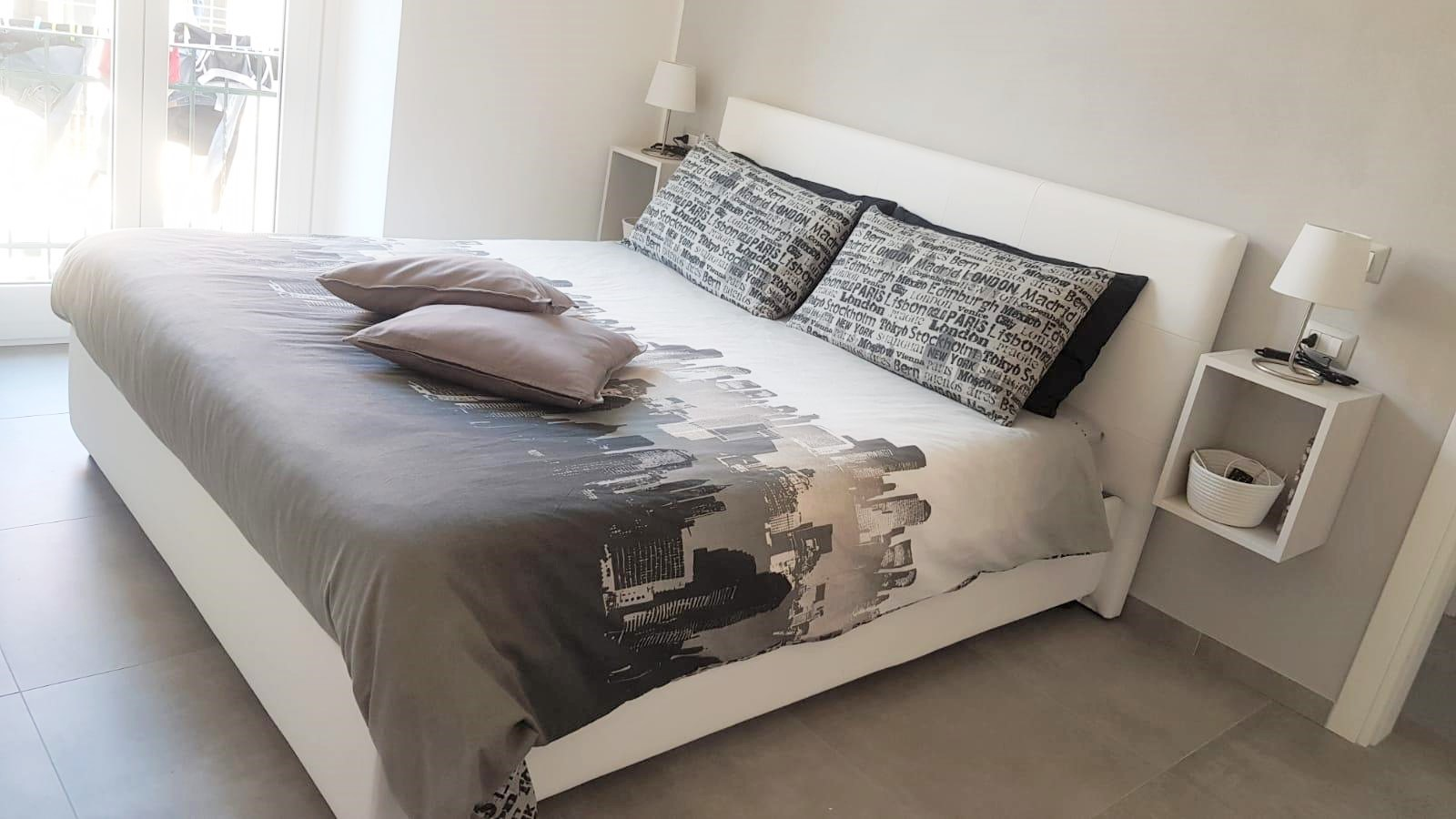 letto-artigiana letti-realizzazioni-centro dell'arredamento-savona