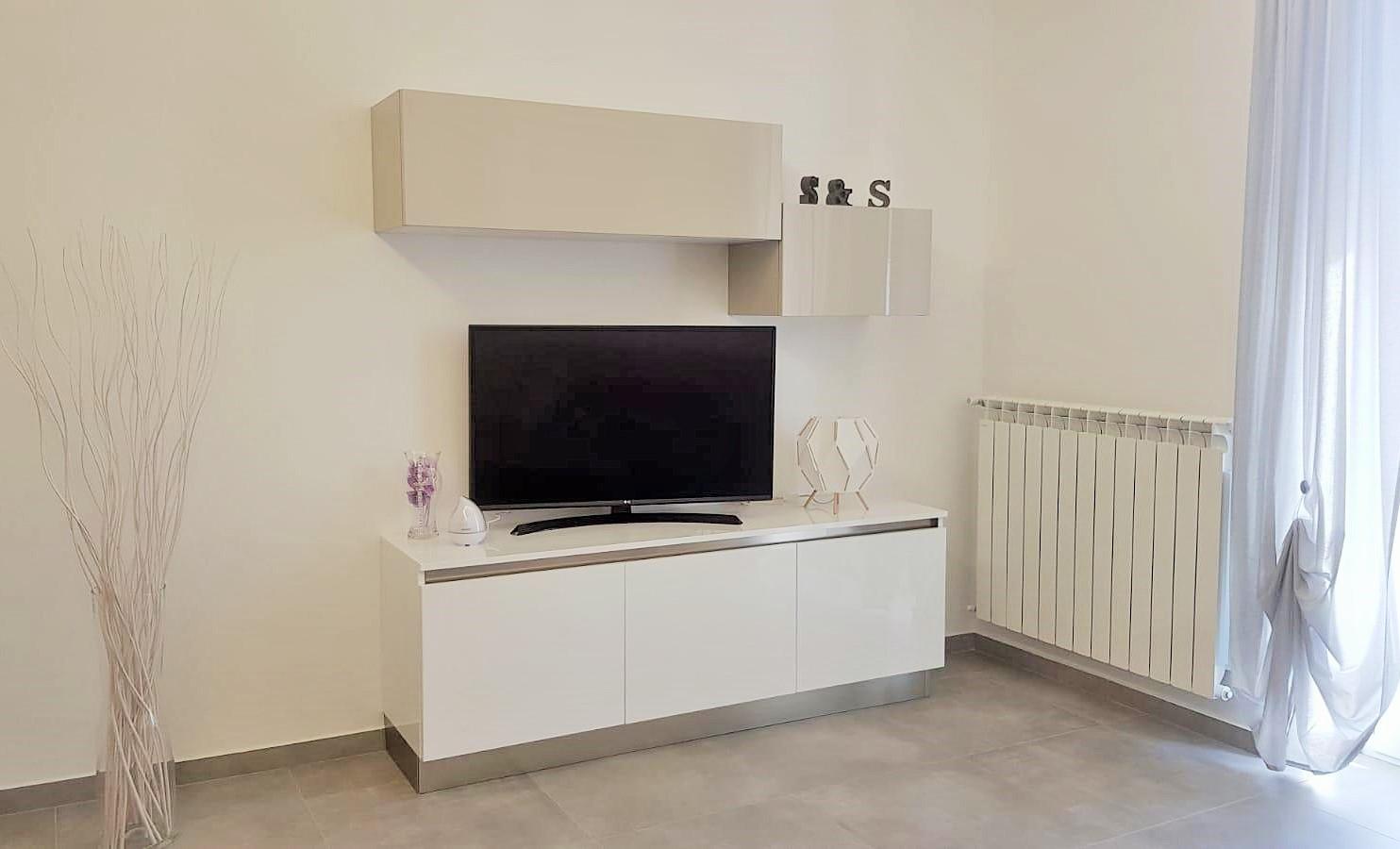 soggiorno-arredo3-realizzazioni-centro dell'arredamento-savona