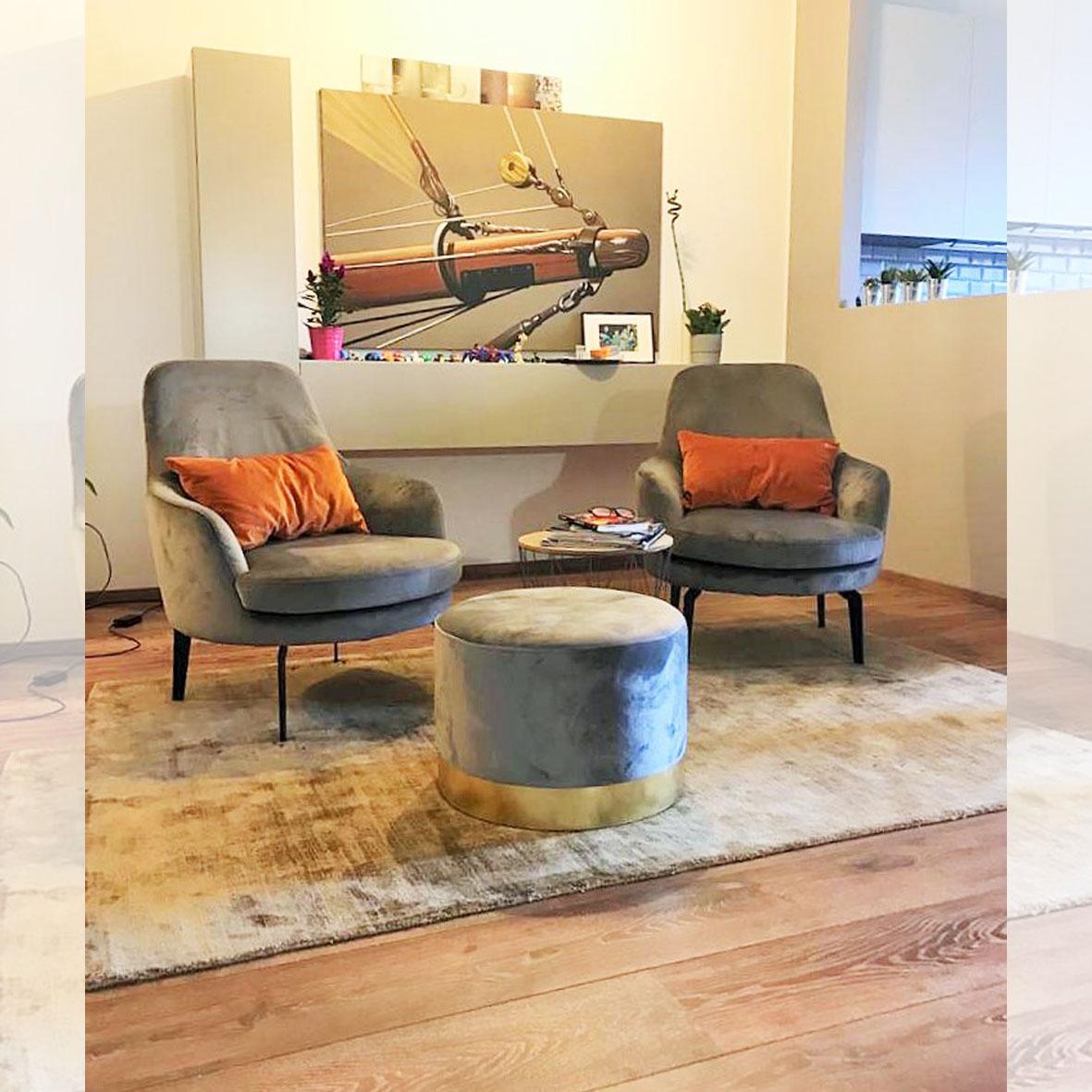 centro dell'arredamento-savona-poltroncine-lecomfort-pensili sospesi-soggiorno-novamobili