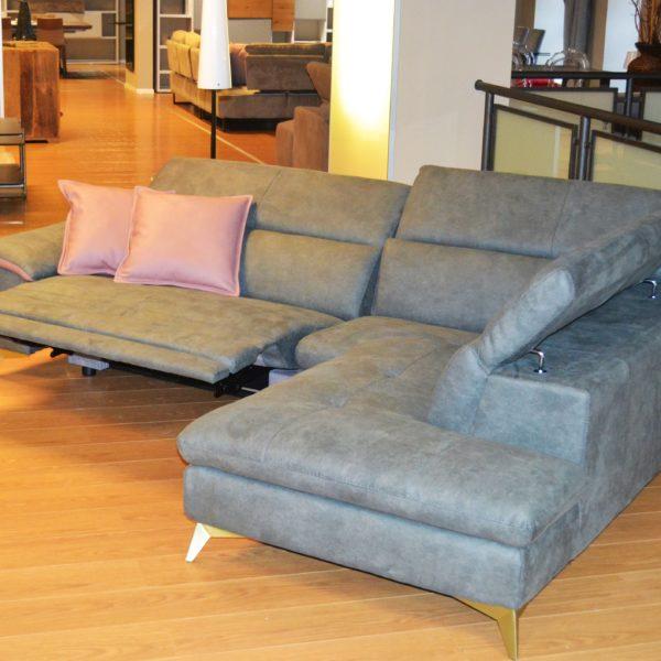 Centro dell 39 arredamento savona divano egoitaliano in for Sconti arredamento
